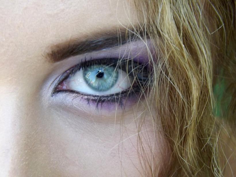 blue eye wheat hair